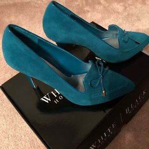 Never worn suede turquoise pumps